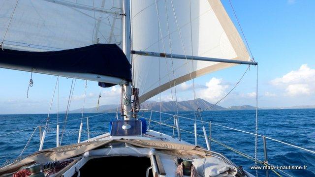 A la voile dans le lagon de Nouvelle Calédonie