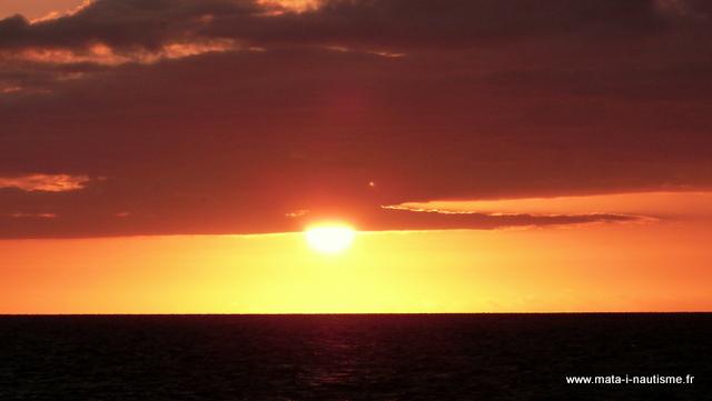 Soleil couchant en mer