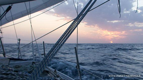 Un coucher de soleil entre les Canariee et le Cap Vert