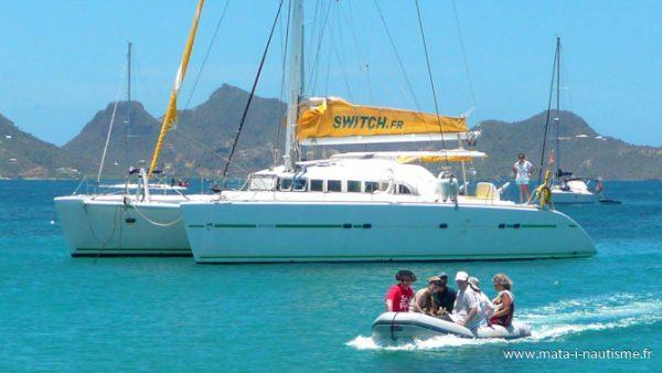 Le métier d'hôtesse de bord catamaran Antilles