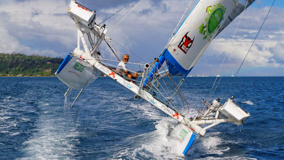 Yvan Bourgnon à bord de Ma Louloute