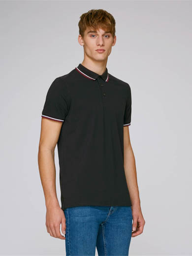 Polo homme competes