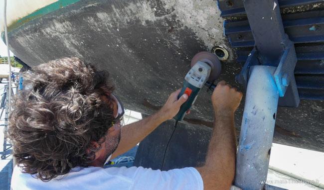 Changer les vannes et les passe-coques de son voilier